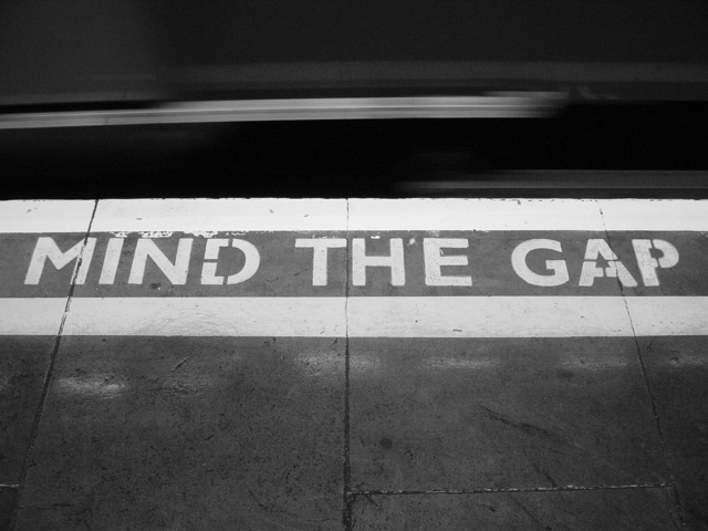 mind-the-gap-1484157-640x480.jpg